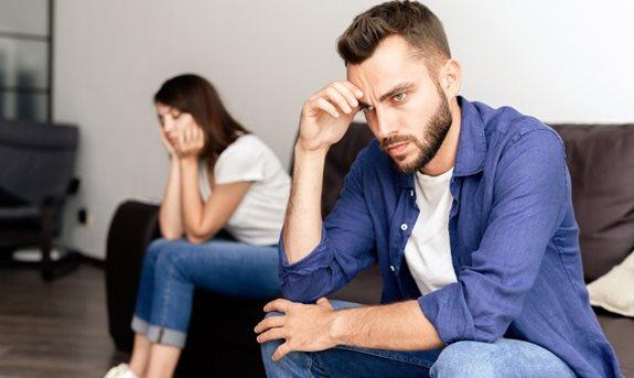 merevedési problémák 30 év alatti férfiaknál