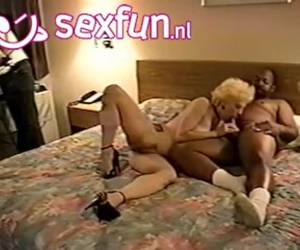 Mostohalányát bassza miközben felesége fürdikINGYEN SZEX SEX